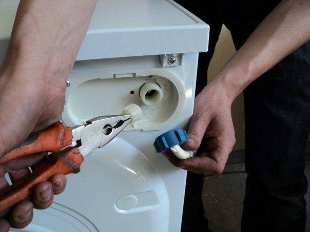 Устраняем засоры в стиральной машине Брандт