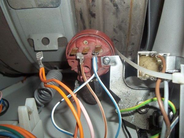 Ошибка F05, F5 в стиральной машине Аристон