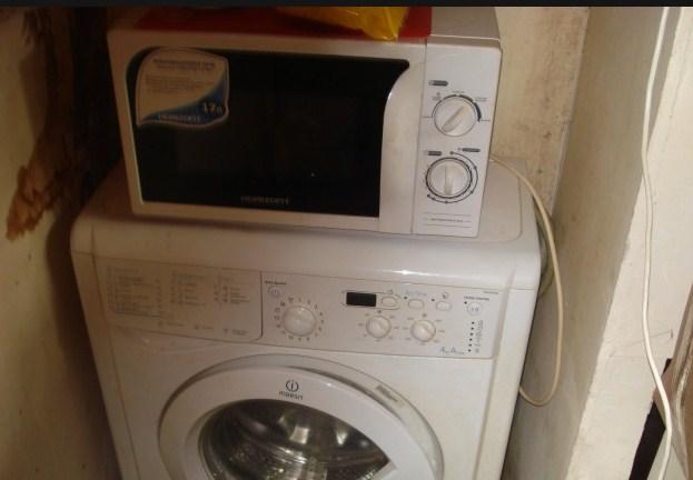 Можно ли ставить микроволновку на стиральную машину: разбор мифов