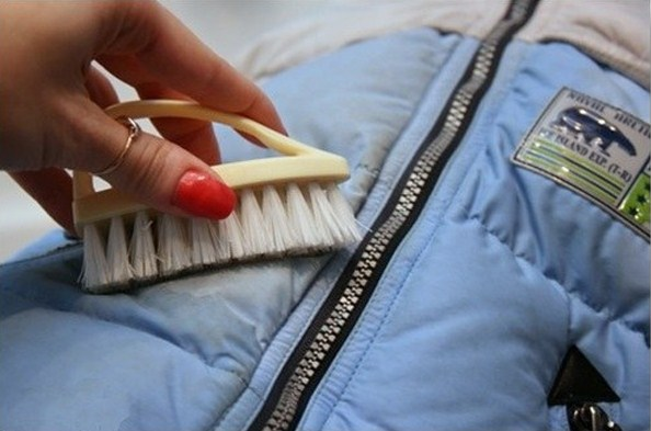 Как постирать зимнюю куртку вручную