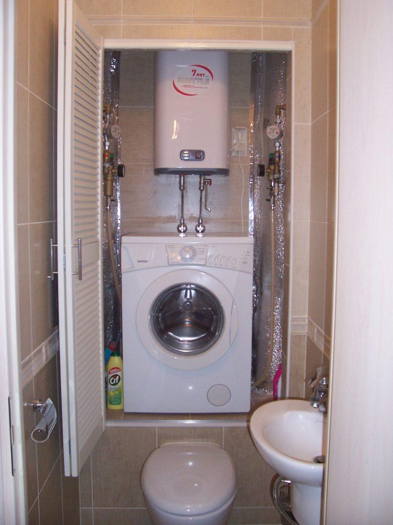 Как правильно разместить стиральную машину в туалете
