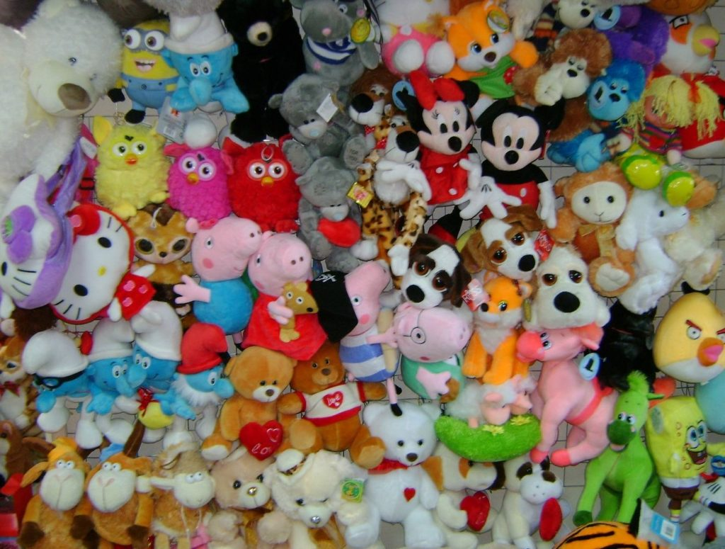 Как стирать мягкие игрушки в стиральной машине правильно