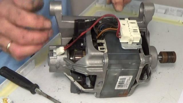 Замена щеток мотора