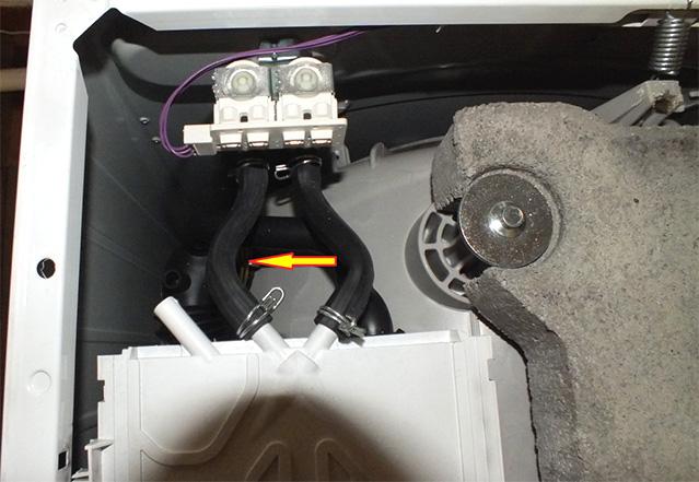 Извлечение бака из машины Самсунг