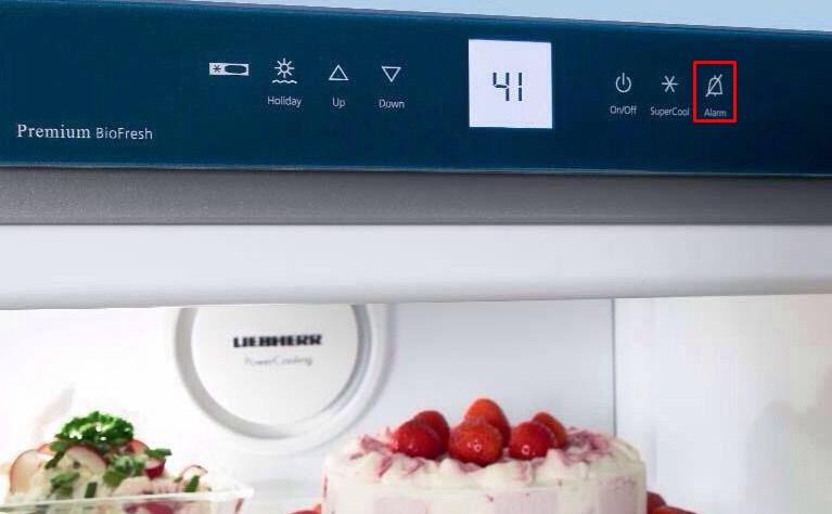 На холодильнике мигает H