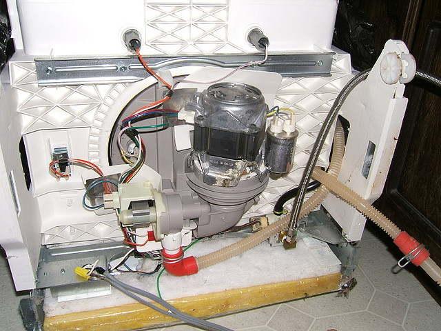 Насос – главное звено в посудомоечной машине. Особенности эксплуатации