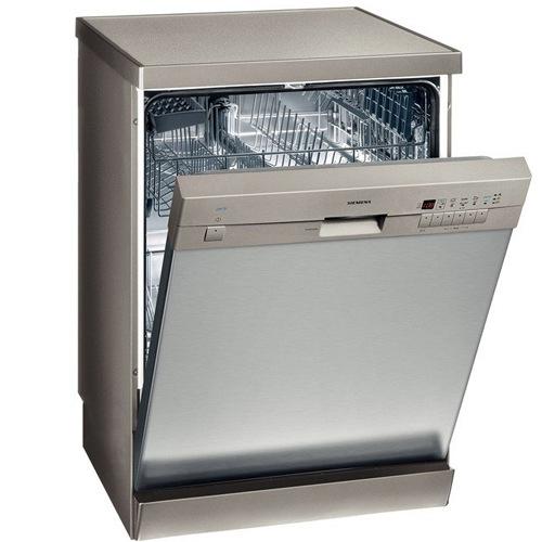 Стильная полноразмерная посудомоечная машина Сименс для установки на кухне