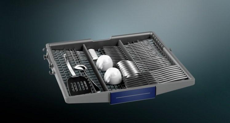 Специальный лоток для столовых приборов и аксессуаров в посудомоечной машине Siemens SN 656X00 MR