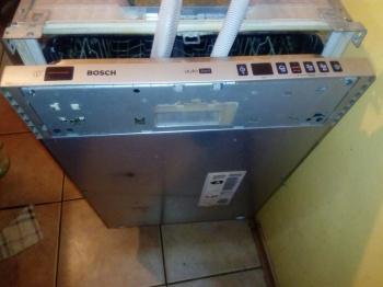 Аварийное открытие и откачка воды из посудомоечной машины при возникновении ошибки