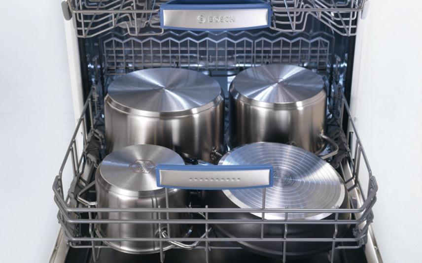 Встраиваемая вместительная посудомоечная машина для большой семьи с достаточным количеством места