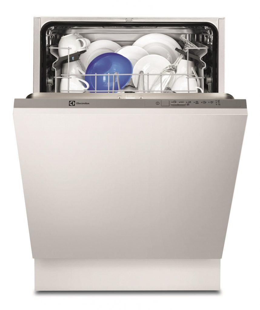Полногабаритные модели посудомоечных машин способны вместить до 17 комплектов посуды