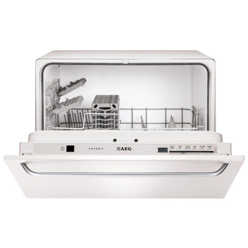 Модель компактной посудомоечной машины AEGF 55200 VI со скрытой панелью задач и элегантным фасадом