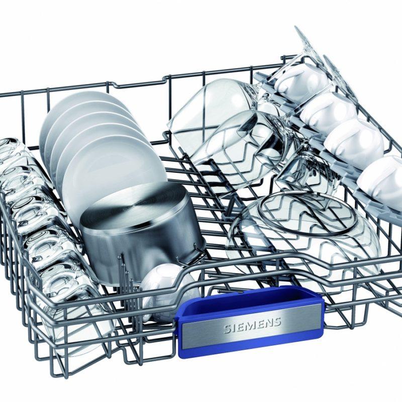 В посудомоечных машинах фирмы Сименс используются удобные и прочные лотки для посуды
