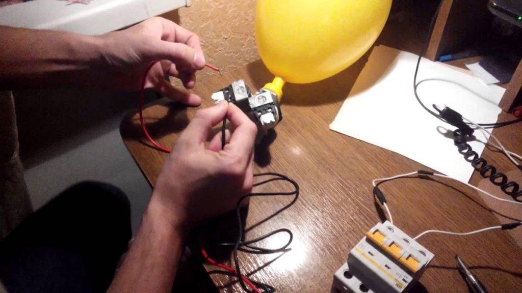 Тестирование электронной составляющей заборного клапана при переливе воды в посудомоечной машине
