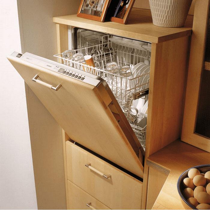 Вариант внедрения компактной посудомоечной машины полновстрамоевого типа в кухонный гарнитур