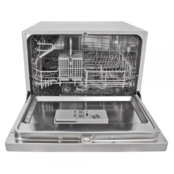 Компактная посудомоечная машина Candy CDCF 6 рассчитана на семью из трех человек