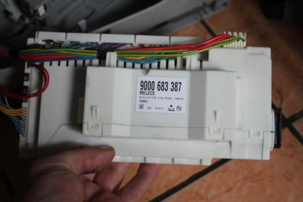 Проверка и при необходимости замена электронной платы посудомоечной машины при возникновении поломки