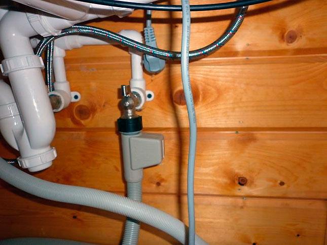 Пример монтажа заливной системы к посудомоечной машины Бош при самостоятельном подключении