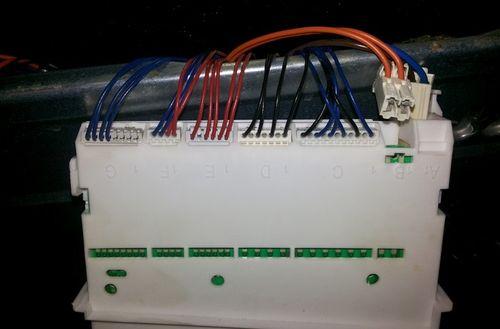 Для устранения неисправности при поломке посудомоечной машины полностью осмотрите всю электропроводку