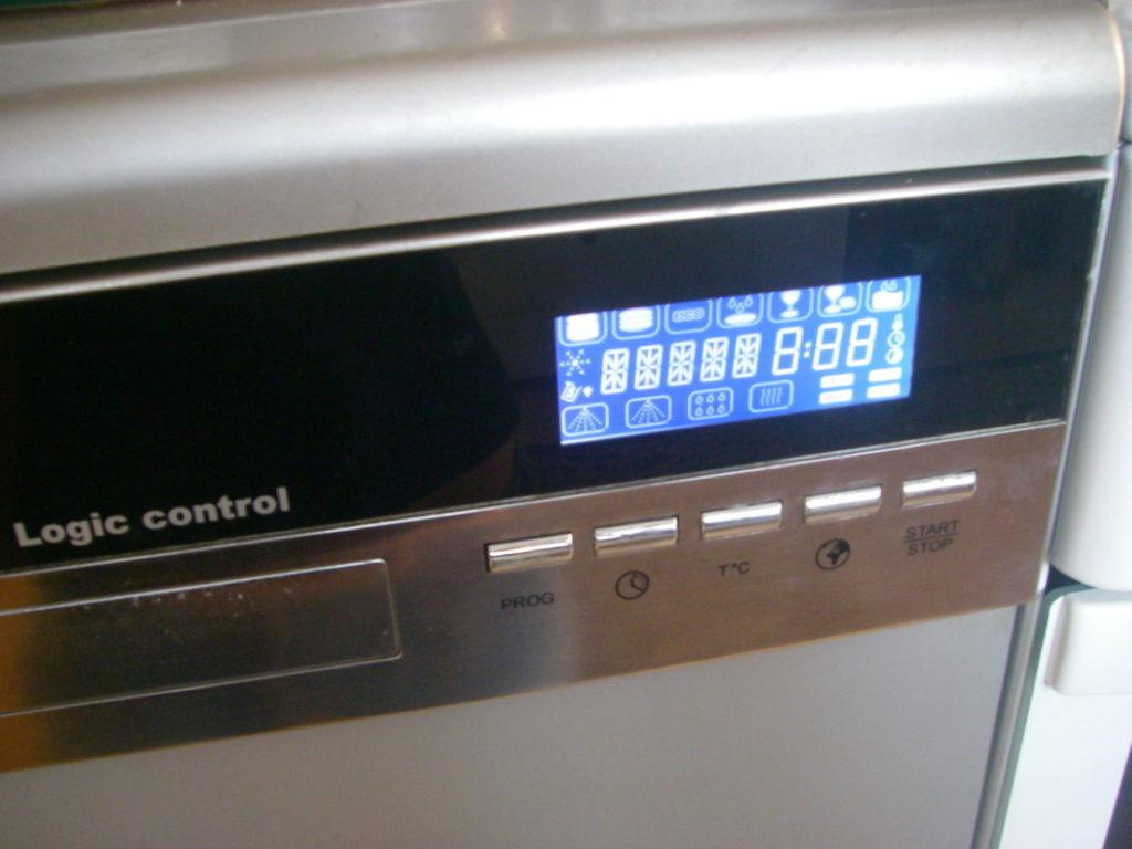 Электронный дисплей посудомоечной машины Кайсер при возникновении неисправности или поломки