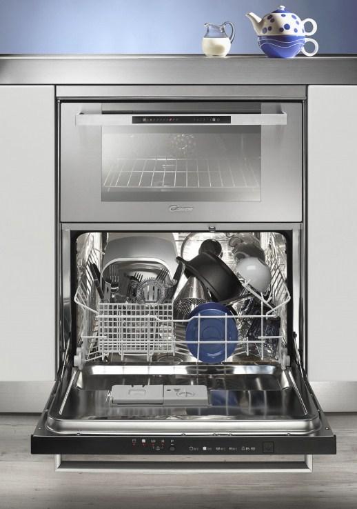 Пример комбинированной модели 3 в 1, включающую в себя плиту, духовку и посудомоечную машину