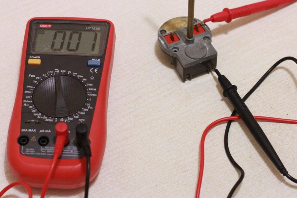 Тестирование контактов мультиметром