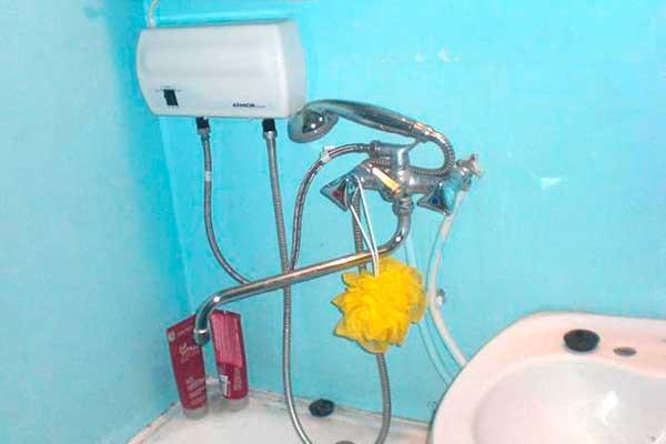 Проточный водонагреватель может быть переносным и стационарным