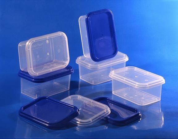 Пластиковые пищевые контейнеры разрешается мыть в посудомоечной машине из-за устойчивости к теплу
