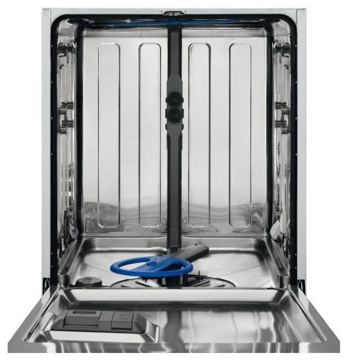 Пустой бункер посудомоечной машины нового поколения Electrolux ESL 97345 RO без лотков для посуды