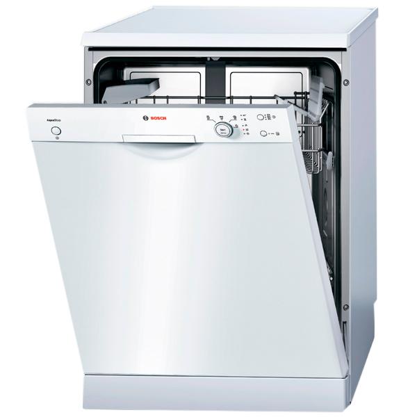 Полноразмерная отдельностоящая посудомоечная машина Bosch SMS 40D02 с механической открытой панелью