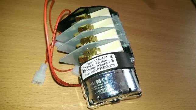 При возникновении неисправности в работе льдогенератора необходимо проверить термостат и модули