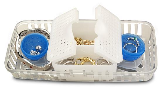 Золотые и серебряные украшения легко отмыть в посудомоечной машине в защитном контейнере