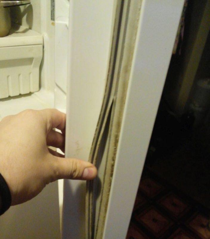 Если стенки морозилки перегреваются при работе холодильника, проверьте уплотнитель двери на разрывы или загрязнения