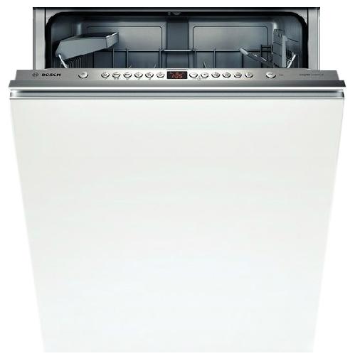Пример бюджетного варианта встраиваемой посудомоечной машины для кухни в классическом стиле