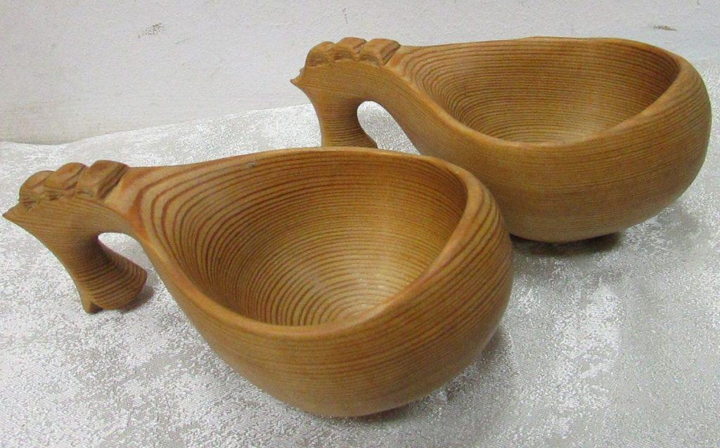 Запрещается мыть деревянные изделия в посудомоечной машины из-за их разбухания и порчи