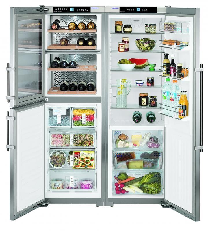 Большой комбинированный холодильник, в котором присутствует встроенный винный шкаф с охлаждением