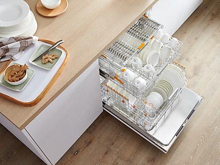 3D поддон в новых моделях посудомоечных машин легко решает вопрос мытья объемной посуды