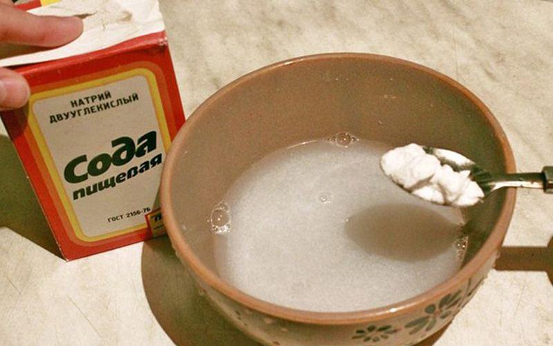 Простейший вариант создание смеси из соды с перекисью водорода