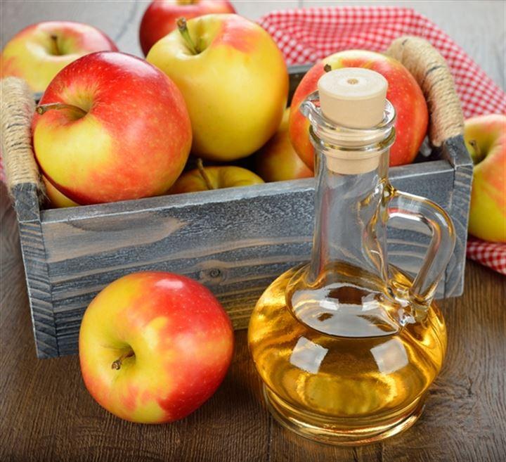 Яблочный уксус неплохо работает в качестве ополаскивателя