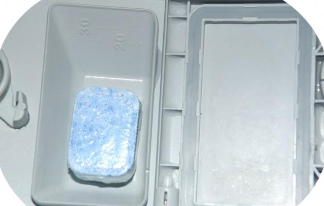 Использование растворимой упаковки для таблеток ПММ удобно и не наносит вреда природе