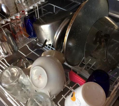 Состояние посуды до применения миникапсул Fairy