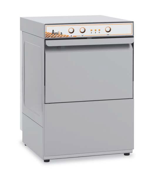 ПММ небольших размеров Amika 30x подойдет для мытья стаканов и столовых приборов