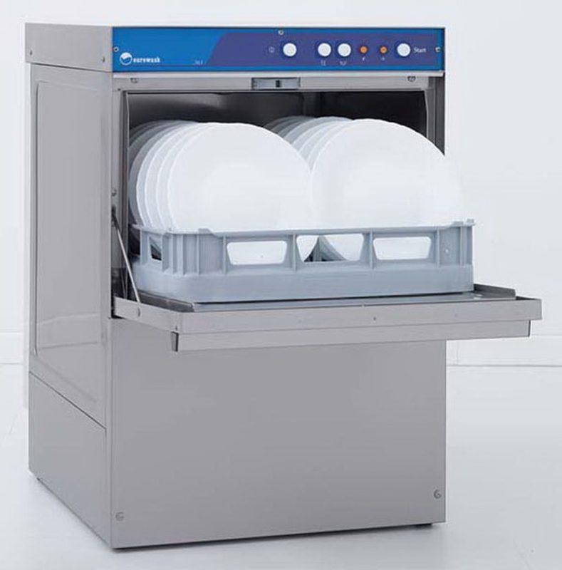 Посудомоечная машина Amika 60x хорошо подойдет для небольших заведений