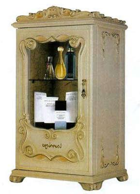 Дизайнерский холодильник для хранения косметики в виде старинного комода с имитацией позолоты