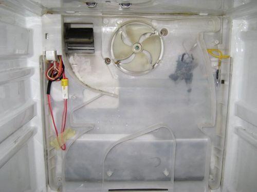 Динамическая система охлаждения является средним типом между статической и системой ноу фрост
