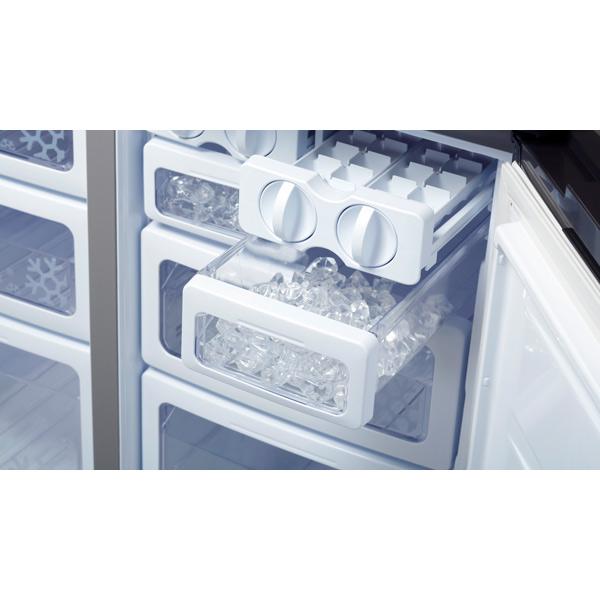 Холодильники Шарп обычно комплектуются ледогенератором