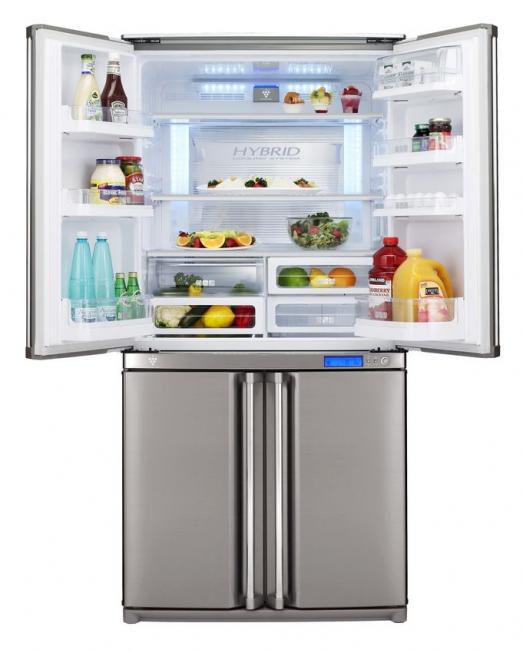 Широкий и просторный холодильник SHARP SJ-F96SPSL