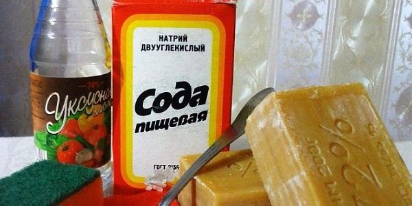 Смесь мыла, соды и уксуса