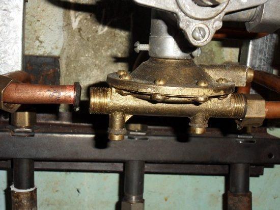 Ревизия резьбовых соединений газовой колонки