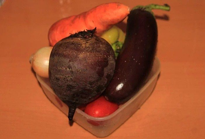 Овощи отлично готовить в Hotpoint-Ariston MWHA 2622 MB